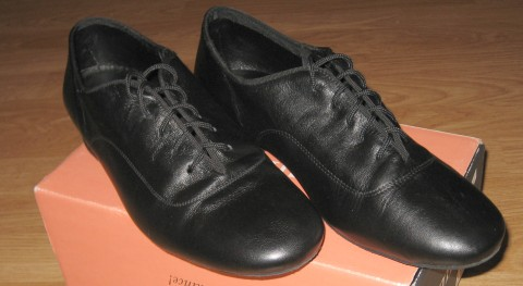 Salsa dancing shoes - Front